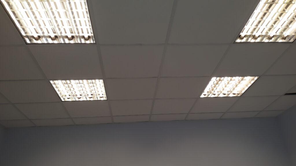 подключение освещения, монтаж кабеля в офисе, магазине