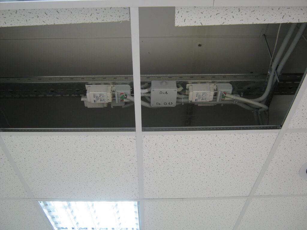 Монтаж электропроводки в помещении, установка автоматов